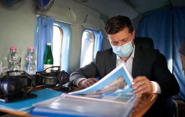 Зеленский лично осмотрел разрушения на Прикарпатье