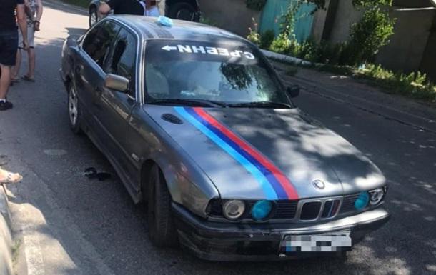 В Одесі водій BMW збив копа і протягнув його 100 метрів на капоті