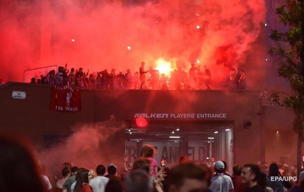 Фанаты бурно отпраздновали победу Ливерпуля