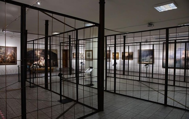 Музей открыл выставку картин Порошенко: пришло ГБР