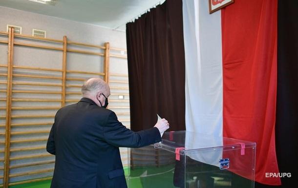 У Польщі на виборчій дільниці померла людина