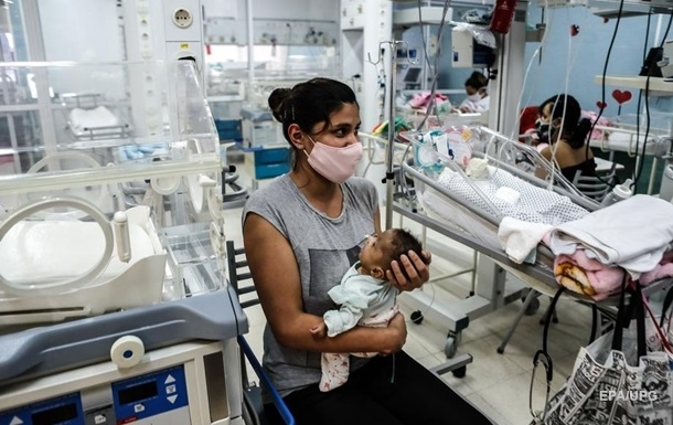 Число жертв COVID-19 в світі перевищило півмільйона