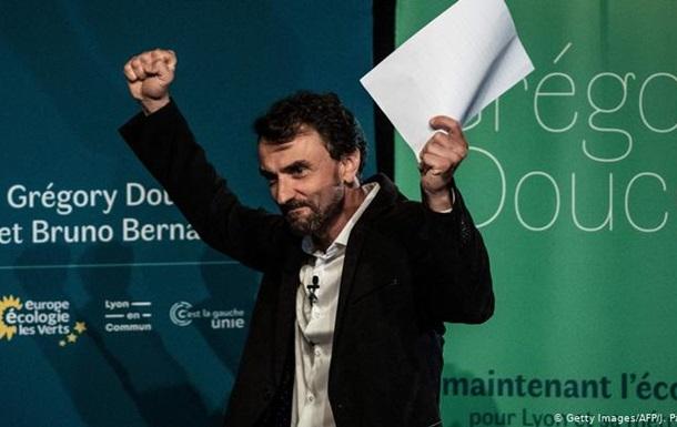 Партія Макрона програла місцеві вибори у Франції