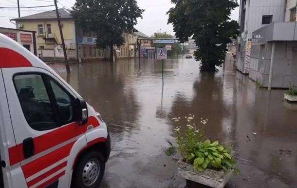 На Львовщине ливень затопил четыре санатория