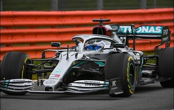 В Mercedes изменили раскраску машины перед началом сезона