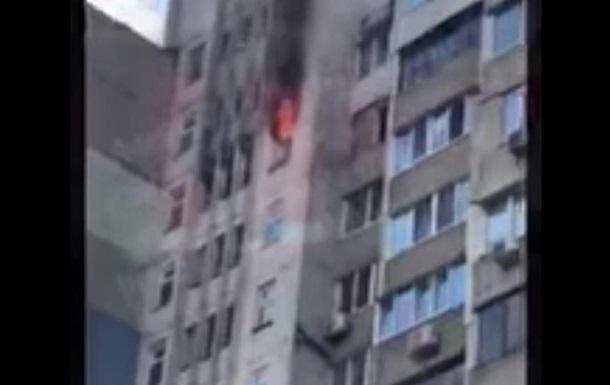 На Позняках в Киеве снова пожар