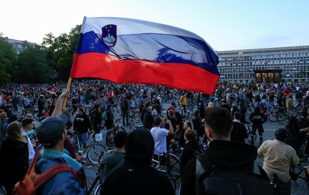 У Словенії політична криза через скандал про закупівлю масок і апаратів ШВЛ