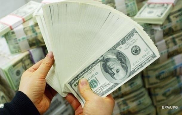 Отток валюты из Украины уменьшился вдвое