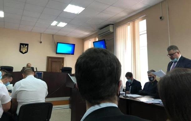 Депутаты и прокуроры поссорились на суде над Порошенко