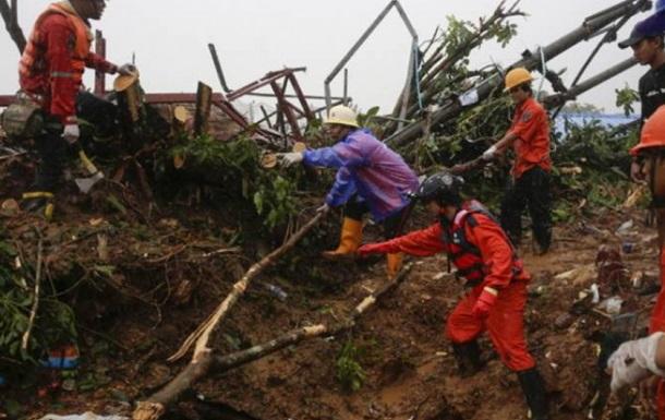 У М янмі під обвалом загинули більше 100 осіб