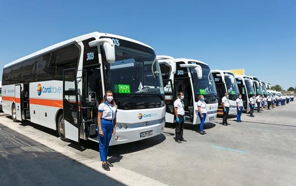 Первые украинские туристы прибыли в Турцию на отдых