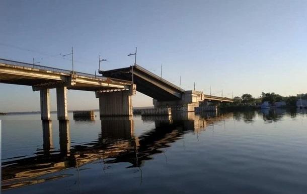 У центрі Миколаєва раптово розвівся міст