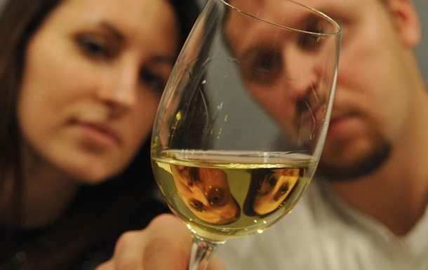 Ранние браки чаще приводят к алкоголизму - ученые