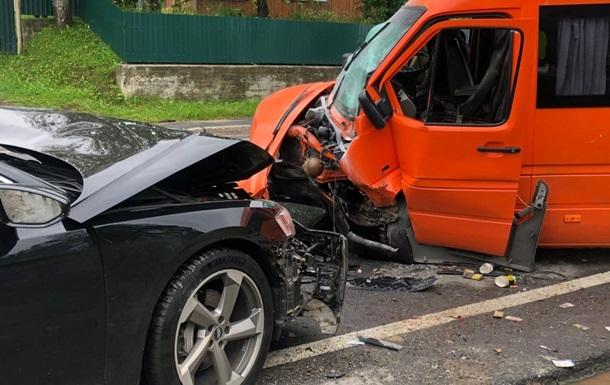 На Львовщине 11 человек пострадали в ДТП