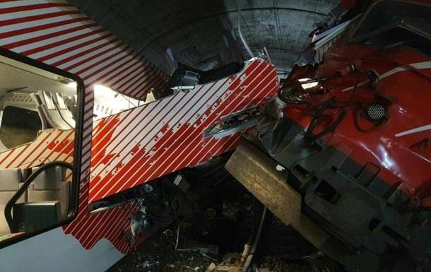 В Швейцарии столкнулись поезда в туннеле
