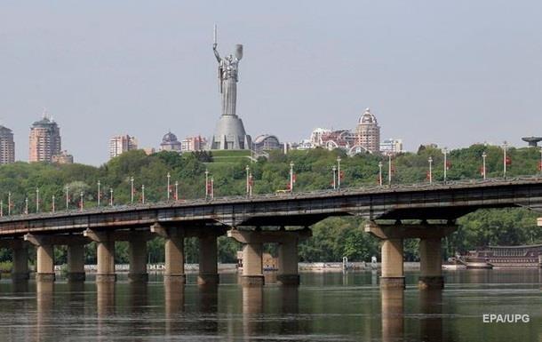В Киеве ухудшилось качество воды из-за обмеления Днепра