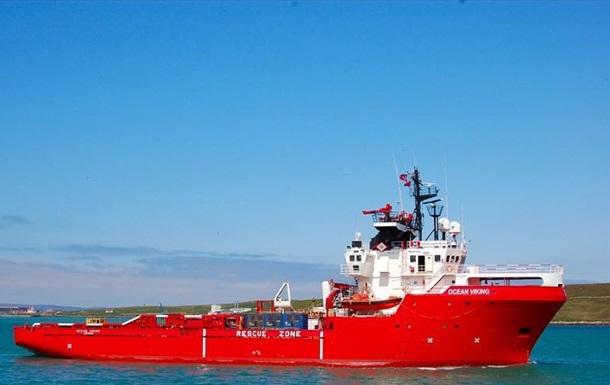 У берегов Сицилии судно с мигрантами объявило ЧП