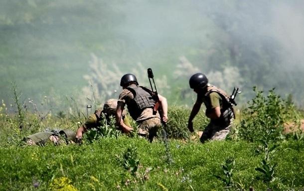 На Донбассе с полуночи усилились обстрелы