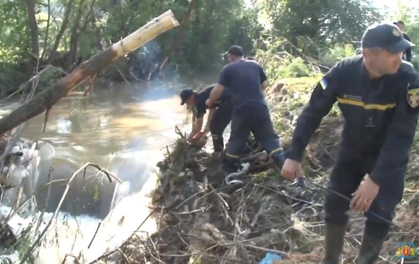 Во Львовской области затопило четыре поселка