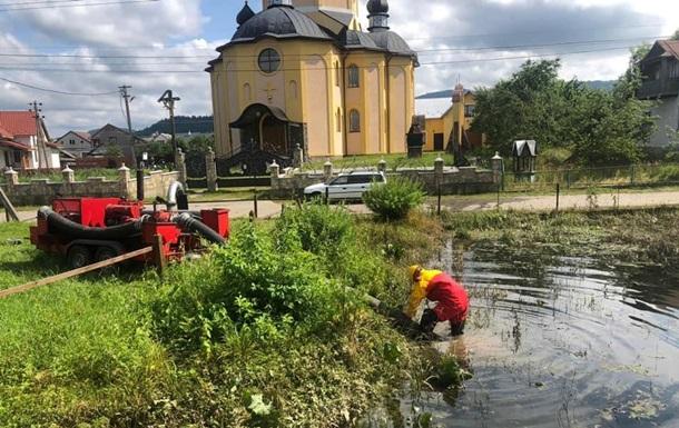 На западе Украине остаются подтопленными пять сел