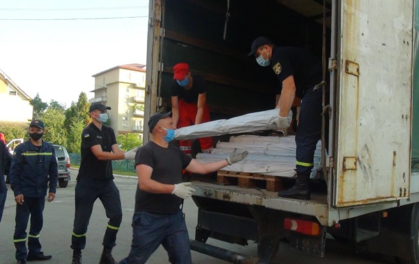 Словакия передала гумпомощь Украине для ликвидации паводков