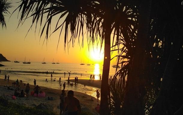У Таїланді стежитимуть за туристами