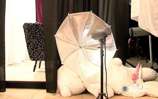 На Вінниччині в дитячому агентстві мод знімали порно