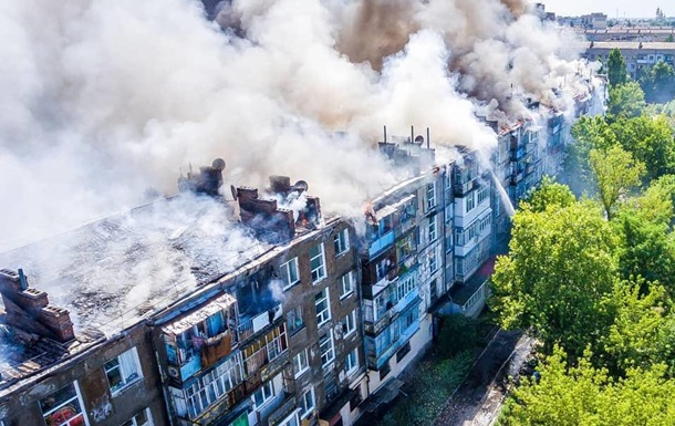 Суд отпустил подозреваемого в поджоге многоэтажки в Новой Каховке