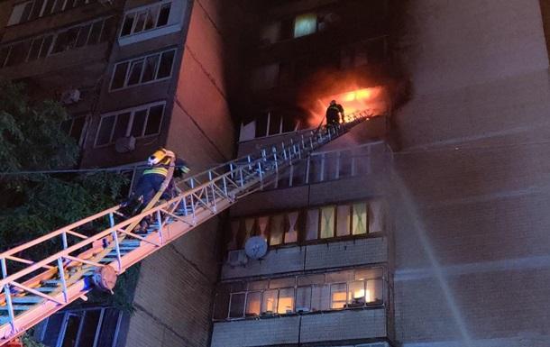 В Киеве ночью горел дом, эвакуировали 15 человек