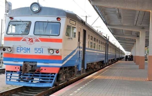 В Харькове поезд опоздал на час из-за пассажиров без масок