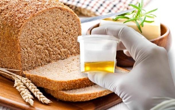 Екофеміністка спекла хліб з борошна, пшеницю для якого удобрювали сечею