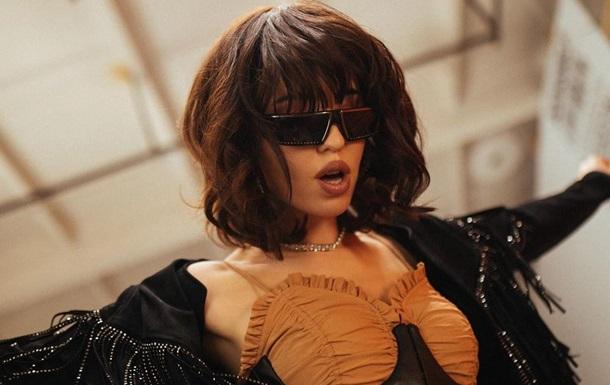 Надя Дорофеева снялась в стильном ретро образе