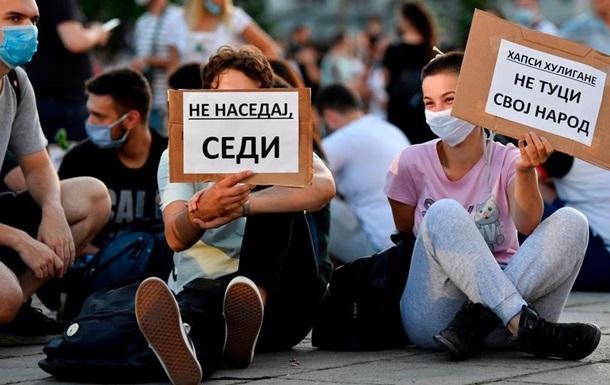 У Белграді відбувся мирний протест проти Вучича