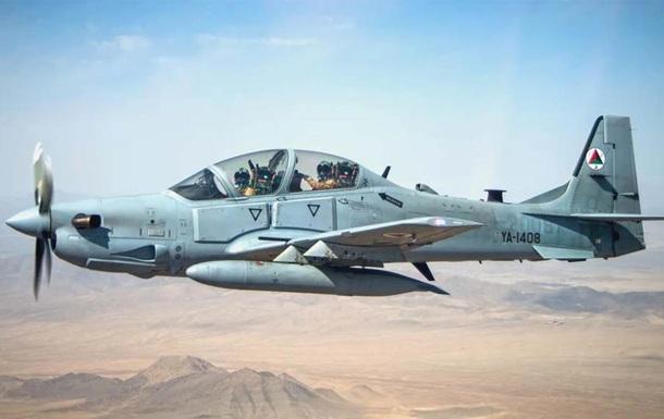В Афганістані під час посадки розбився військовий літак