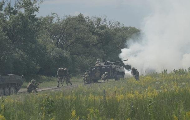 На Донбассе усилились обстрелы, погиб военный