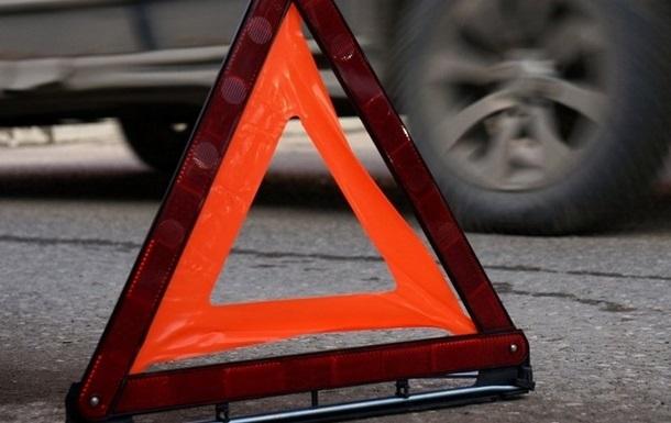 На Київщині лоб в лоб зіткнулися авто, троє загиблих