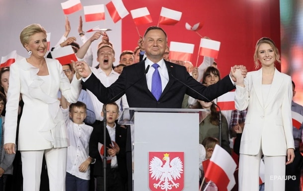 Экзитпол показывает победу Дуды на выборах президента в Польше