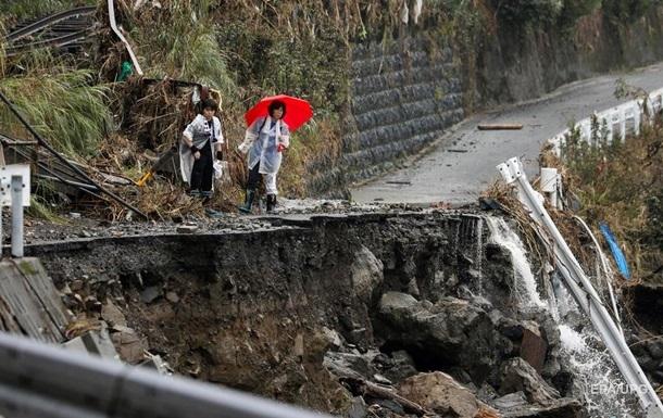 В Японии число жертв наводнения достигло уже 70 человек