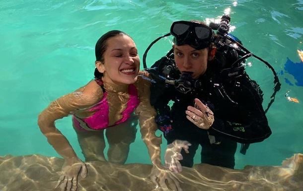Белла Хадид показала, как снималась под водой