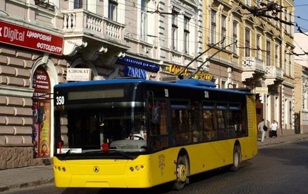Черновцы вернулись к обычной работе транспорта