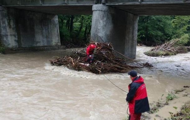В ГСЧС назвали разрушения от наводнений в западных областях