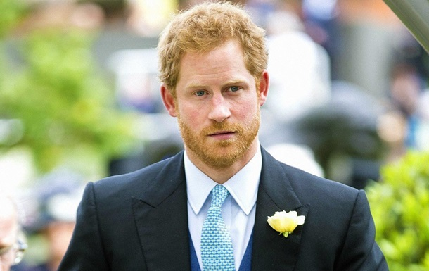 Вигулювати лабрадора : принц Гаррі не знає, чим зайнятися в США