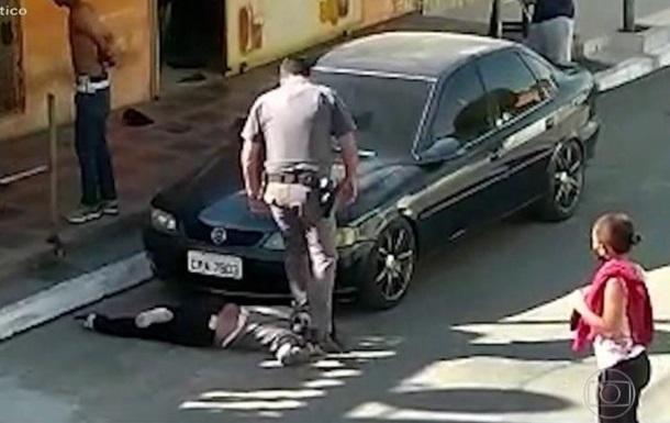 Поліцейських в Бразилії засудять за жорстоке поводження з темношкірою