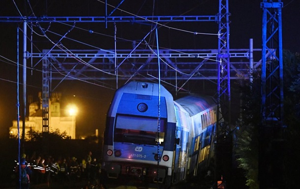 До 60 человек пострадали при столкновении двух поездов в Чехии