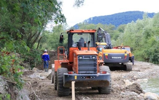 На Прикарпатье восстановили разрушенный паводком газопровод