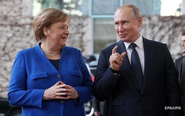 Путін заявив Меркель про контрпродуктивність Києва