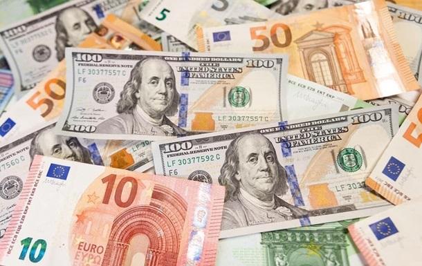 Курсы валют: евро побил годичный рекорд