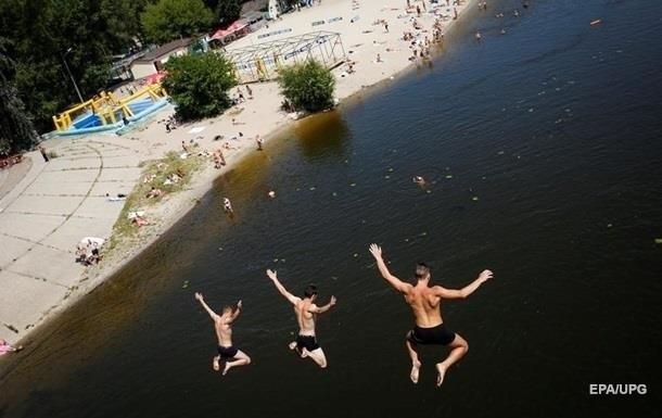 У Києві дозволили купатися на дев яти пляжах