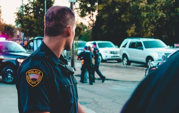 В США полицейский застрелил хотевшего совершить суицид мужчину