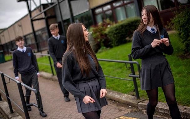 Подростки с COVID-19 могут быть более заразны